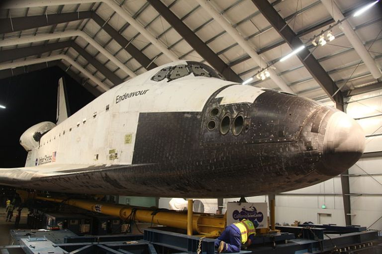 Endeavour_at_the_California_Science_Center